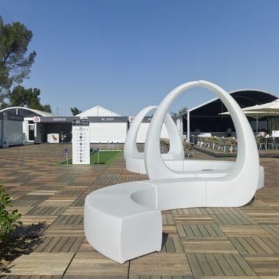 AND-Vondom-Looping-alquiler-de-mobiliario-y-complementos-Alicante-Alaves-Innovation-1