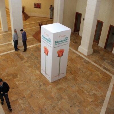 totems-alquiler-de-mobiliario-y-complementos-Alicante-Alaves-Innovation-1